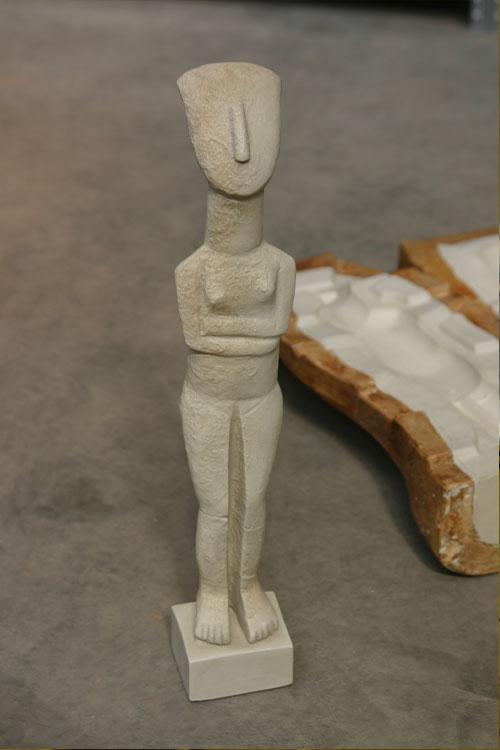statues-slim
