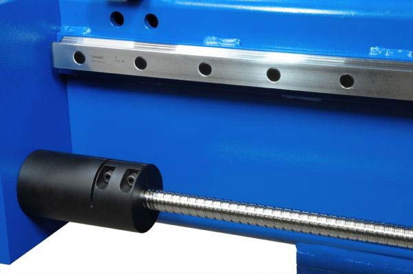 Linear guiding and ball screw